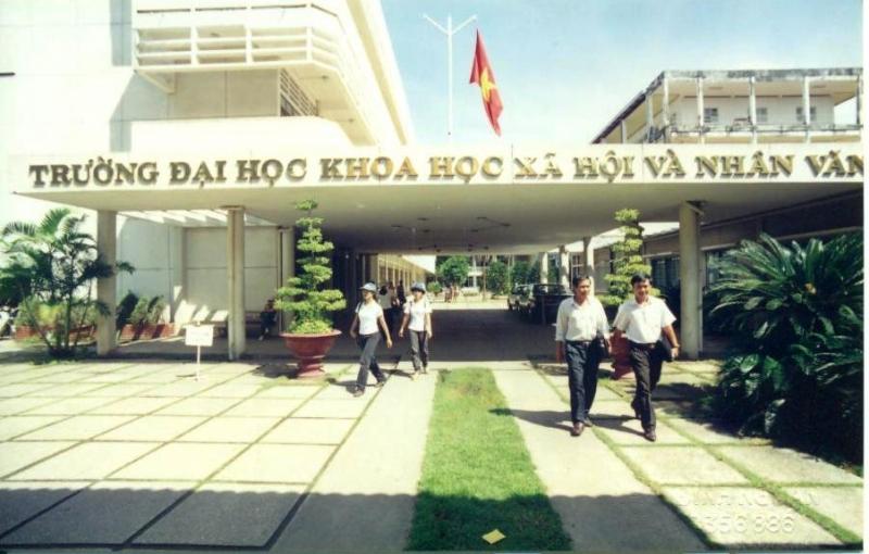 Trường Đại Học KHXH & Nhân Văn